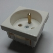 Šuko 220V strujna utičnica sa uzemljenjem - modul dim. 45x45mm (2M) bele boje sa zaštitnim pinom NP03FR