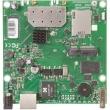 MikroTik RouterBoard RB912UAG-2HPnD – Gigabit LAN/WAN (PoE 8-30V), ugrađeni high power 1000mW wireless 2.4GHz sa 2 x MMCX, 1 x miniPCIe i USB (za 3G/LTE), CPU 600MHz, 64MB RAM, dim. 105x105mm, temp. -30C-60C, ROS L4