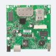 MikroTik RouterBoard RB912UAG-5HPnD – Gigabit LAN/WAN (PoE 8-30V), ugrađeni high power 1000mW wireless 4.9-5.9GHz sa 2 x MMCX, 1 x miniPCIe i USB (za 3G/LTE), CPU 600MHz, 64MB RAM, dim. 105x105mm, temp. -30C-60C, ROS L4