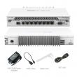 "MikroTik CCR1009-7G-1C-PC Cloud Core Router 7 x GbE RJ45 + SFP slot + USB, CPU 9 cores x 1GHz, 1GB RAM, touchscreen LCD, VPN-BGP-MPLS-3G ruter/ firewall/ bandwith manager, pasivno hlađenje, 19"" rack, RouterOS L6"